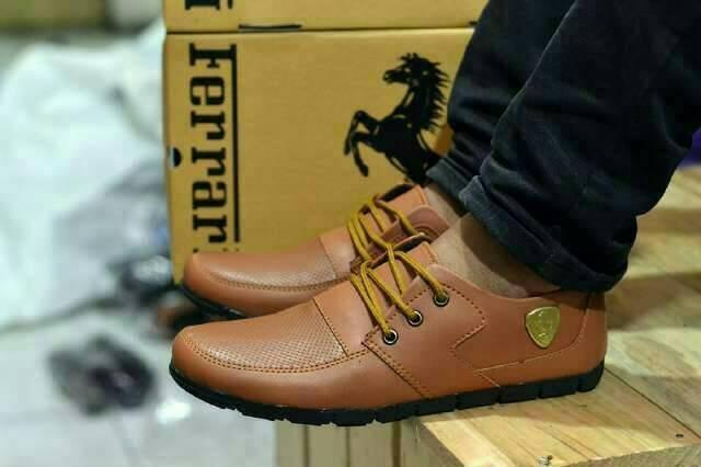harga Sepatu casual tali pria ferrari sneakers licin (3 pilihan warna bagus) Tokopedia.com