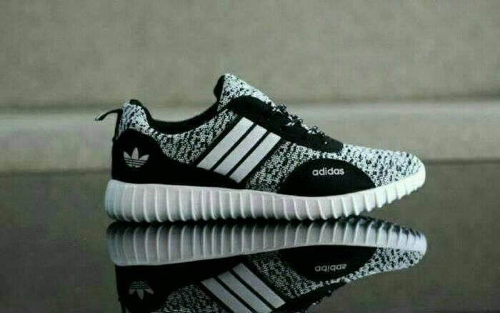 Jual Sepatu dewasa import Vietnam Adidas Yeezy hitam list putih tali ... 541172e645