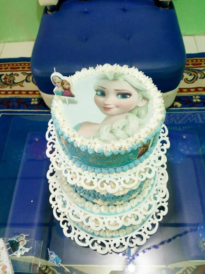Jual Frozen Bday Cake 3 Tingkat Dg Tiers Kota Depok Nabil Cakes Tokopedia