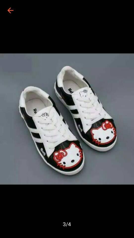 harga Sepatu walker anak perempuan import hello kitty hitam tali putih Tokopedia.com
