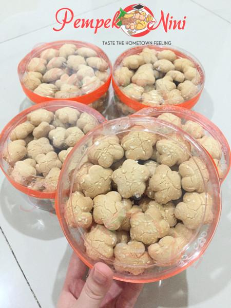 harga Kue kering/snacks/camilan rentak/bangkit wijen renyah palembang Tokopedia.com