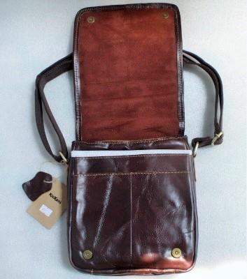 Jual tas selempang kulit kickers (jamin 100%kulit asli) (code 8836 ... 69d273ca73