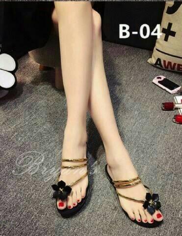 harga Sandal sendal wanita teplek bunga emas flat shoes wedges heels boot Tokopedia.com