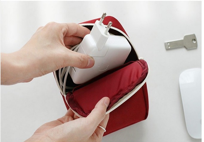 harga Digital pouch organizer / tempat hp, changer, power bank, headset dll Tokopedia.com