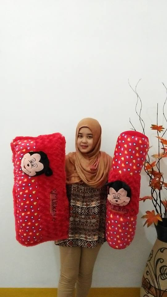 Foto Produk set bantal guling cinta mickey mouse dari NN BONEKAKU