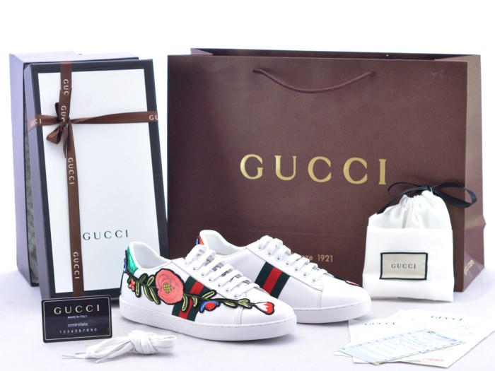 Jual Sepatu Cewek Gucci Sneaker Ace Embroidered Leather Floral Putih ... aecc8425f0