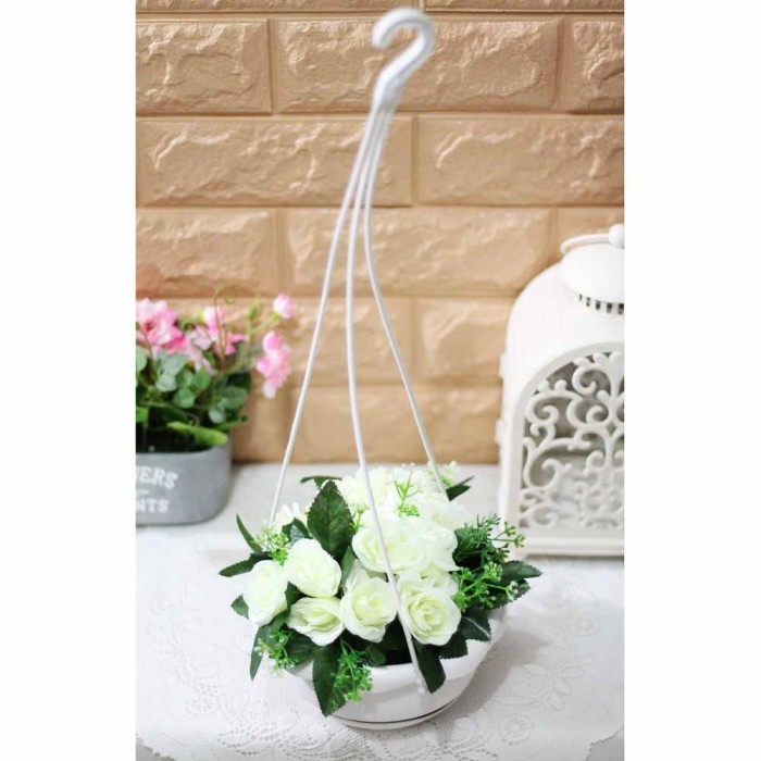 Rangkaian Bucket Buket Bunga Pohon Plastik Artificial Artifisial Sintetis Pot Vas Rotan Hiasan . Source ·