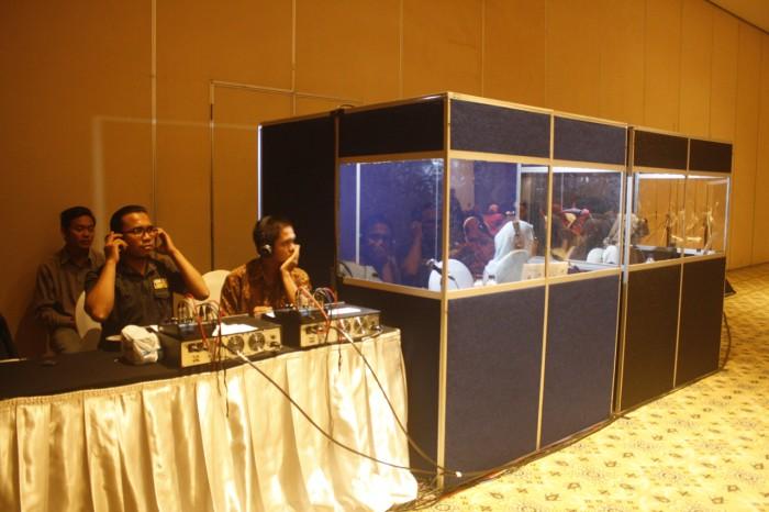 Foto Produk Rental alat interpreter simultaneous SIS sistem wireless dari Ceria Multimedia