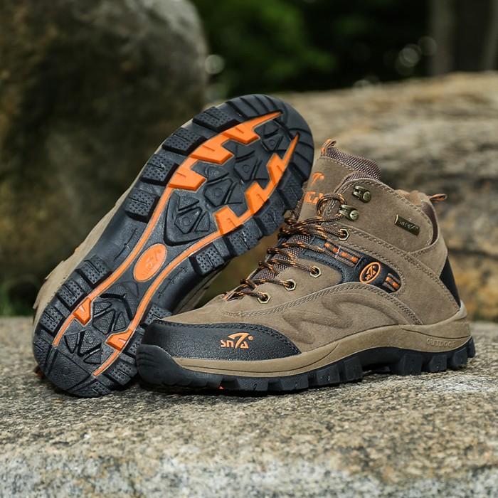 Snta Sepatu Pria Hiking Semi Waterproof Snta Outdoor 488 Hitammerah Source · Sepatu Gunung Snta 471