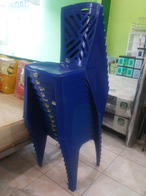 Kursi Plastik Sandaran Wapolin Foodcourt Makan
