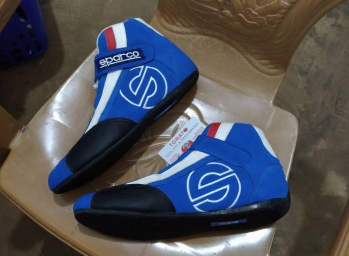 harga Sepatu balap mobil biru Tokopedia.com
