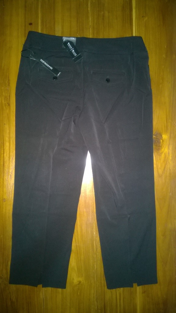 Celana casual wanita white house black market seasonless crop size 4