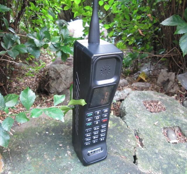 harga Hape antik batu bata brick phone kr999 new vintage classic jumbo phone Tokopedia.com