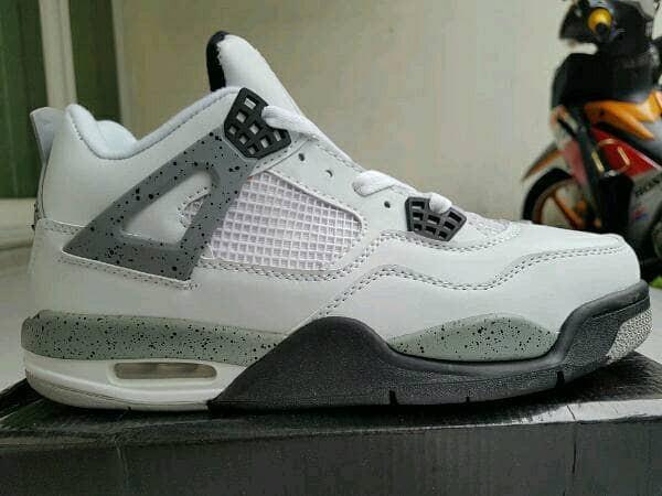 Jual sepatu basket air jordan 4 white cement cek harga di PriceArea.com bf01702e82