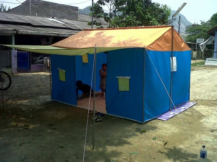 harga Tenda pramuka posko regu kap 12 siswa / 10 dewasa waterproof fullset Tokopedia.com
