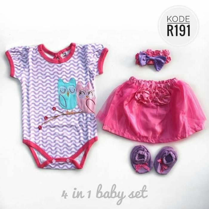 Personalised Named Baby Bib Cute Funny Baby Shower Present Baby Bib B040