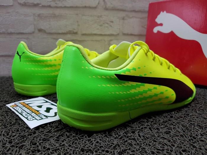 Jual Sepatu futsal Puma Evospeed 17.5 it 104027-01 - Neosportsshops ... 8ff1cd7f0a