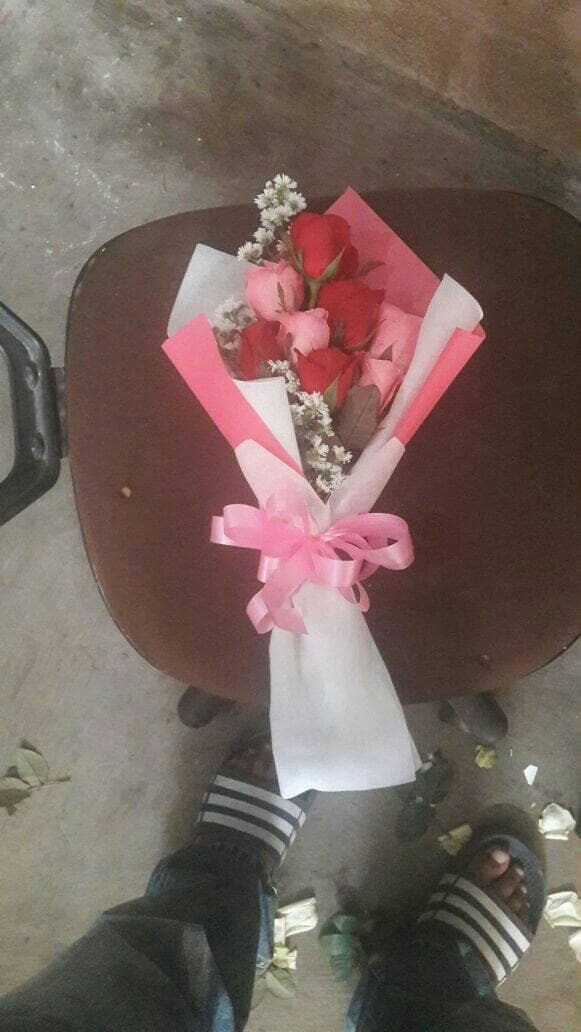 harga Buket bunga / buket wisuda / hadiah ulang tahun / bunga fresh Tokopedia.com