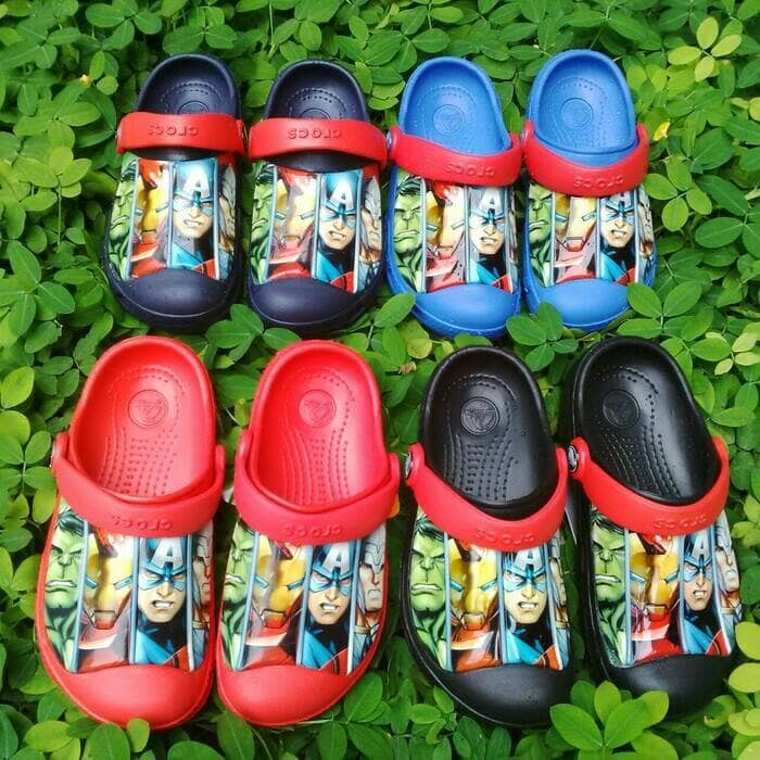 harga Sepatu sendal / sepatu sandal crocs avenger marvel untuk anak cowo Tokopedia.com