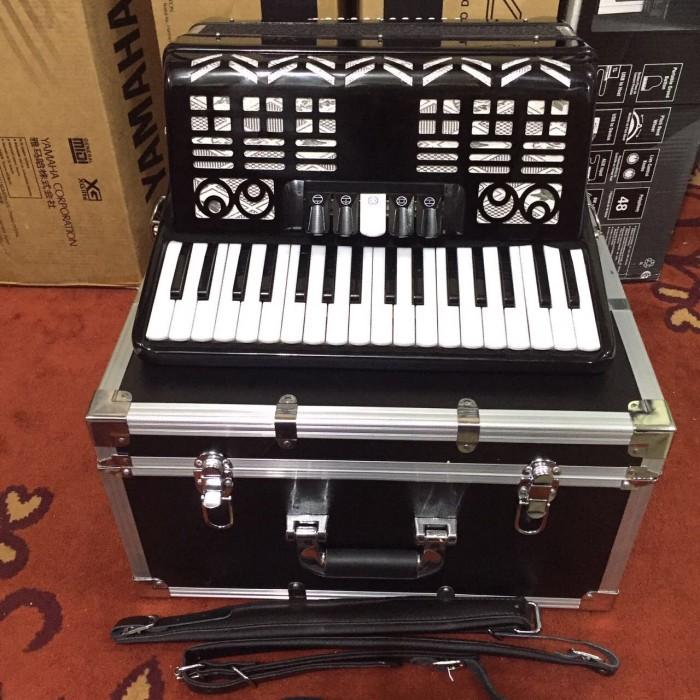 harga Billy Musik - Accordion Vienna Acoustic V-ac 34-48 Black With Hardcase Tokopedia.com
