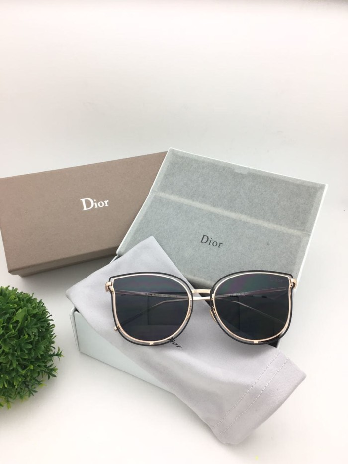 Jual Kacamata Wanita Dior 196 Sunglasses Hitam - DEYA STORE  748b3882b3