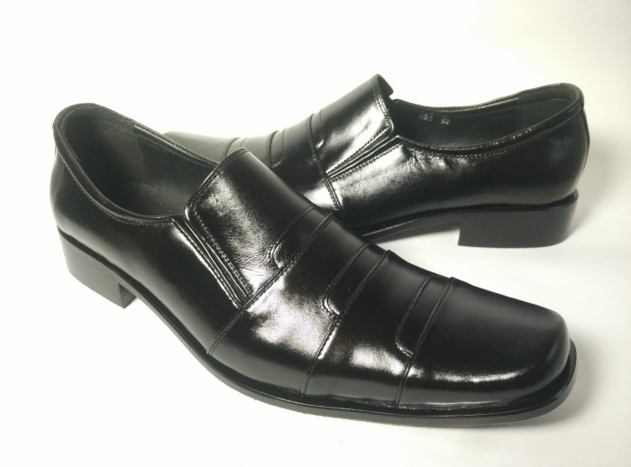 harga Sepatu kulit pierre cardin pantofel 952 Tokopedia.com