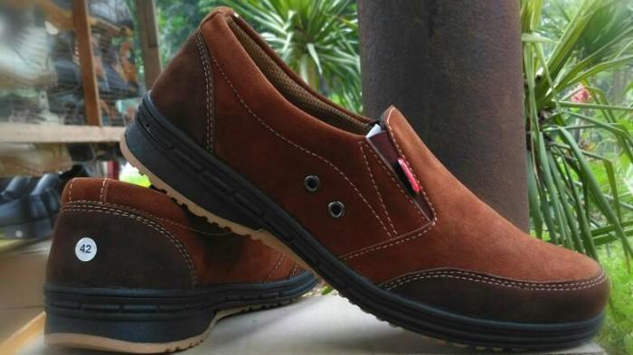 harga Sepatu santai casual kickers pria santai Tokopedia.com