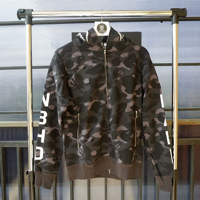 d9217bc46 Jual BAPE x Neighborhood Camo Shark Full Zip Hoodie - Kab. Tangerang ...