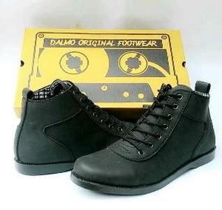 Jual Sepatu Kulit Pria Boots Terkeren Dan Termurah Orginal Dalmo ... e2eb4ab1af
