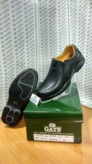 harga Sepatu pria casual terbaru gats ori murah berkualitas mp 2601 hitam Tokopedia.com