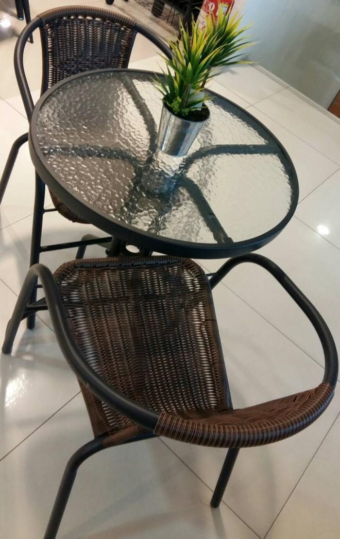 harga Kursi dan meja teras / caffe / satu set (stock terbatas) Tokopedia.com