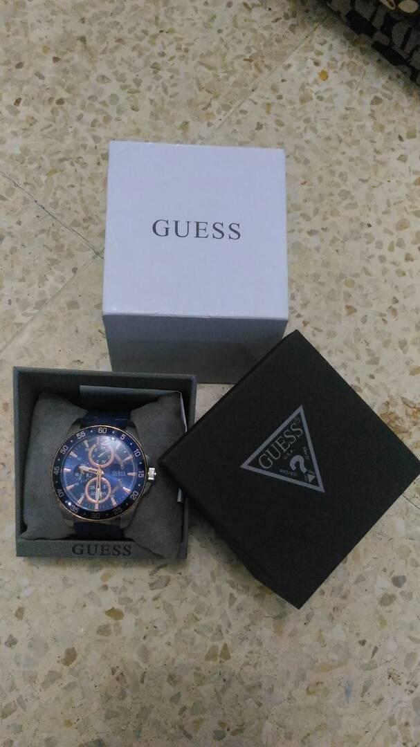 Jam Tangan Guess W0798G2 (Original)