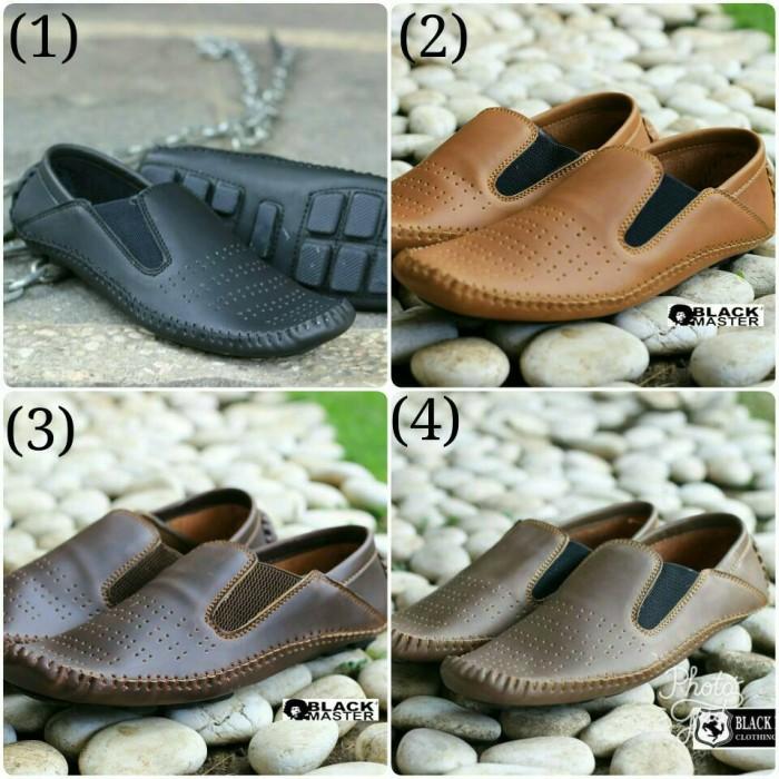 harga Sepatu sneakers pria casual black master original 4 varian bagus Tokopedia.com
