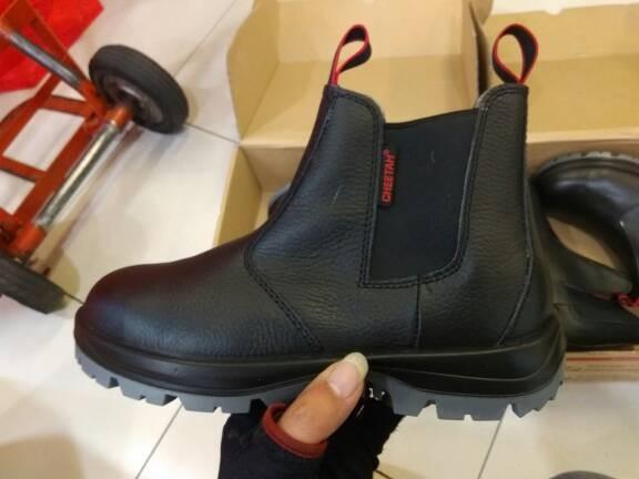 Jual Sepatu Safety Cheetah 7110 H - Shalom Safetindo  1a96bf4b64