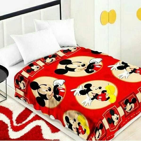 Selimut Bulu Halus Mickey Mouse Merah Uk 150x200