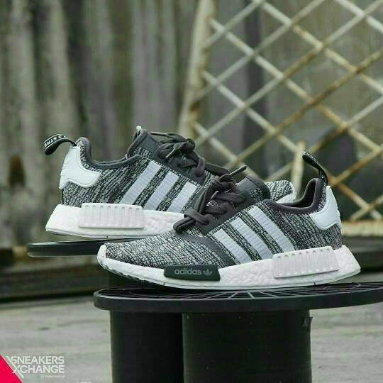official photos 9f814 d2552 Jual Adidas NMD R1 Women Glitch Camo Black (BY3035) / AUTHENTIC / ORIGINAL  - Jakarta Barat - Sneakersxchange | Tokopedia