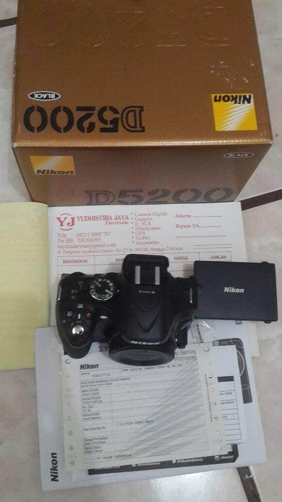 Nikon D5200 Body Only Image