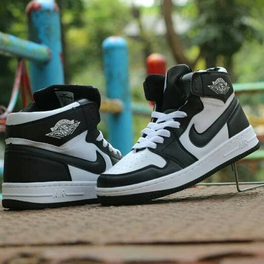 promo code 72b2a f09e2 Sepatu Basket Pria Nike Air Max Jordan