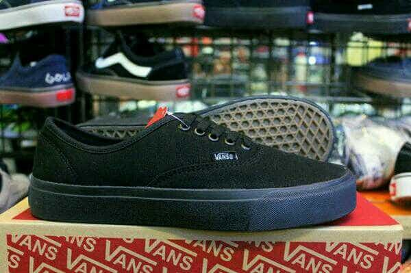 ... harga Sepatu vans authentic full black hitam polos sekolah Tokopedia.com e2be1d758f