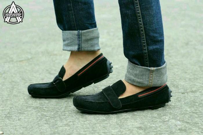 harga Sepatu casual pria available everbest original slop suade hitam Tokopedia.com