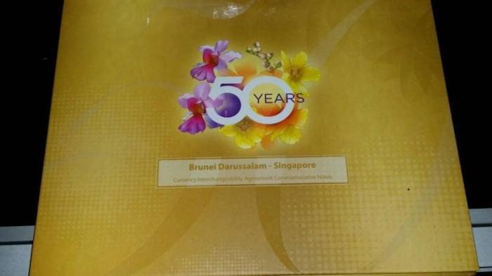 harga Kemasan khusus 100 dollar 50 tahun brunei-singapore Tokopedia.com