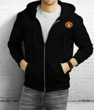 harga Jaket hoodie zipper bola manchester united ( black ) Tokopedia.com