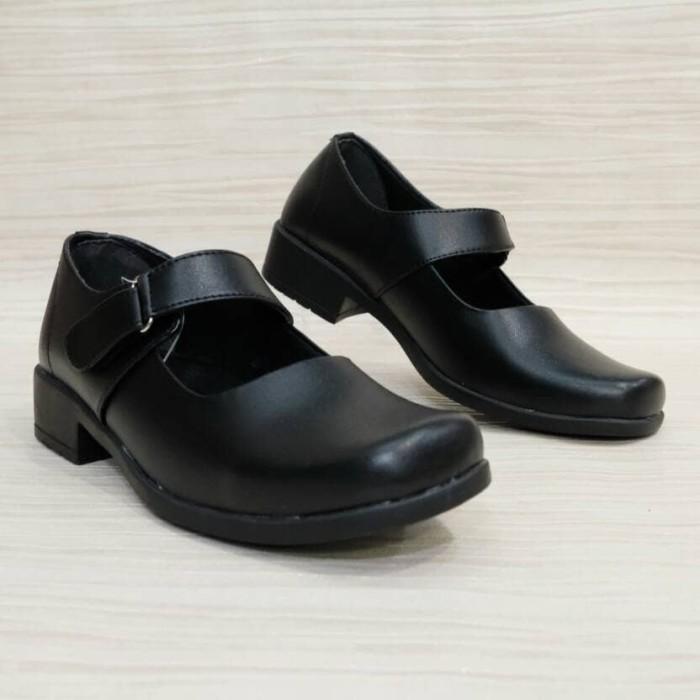 Jual Sepatu Sekolah Pantofel Kantor Paskibraka Formal Wanita Sumiko Sr 02 Kota Surabaya Adelaineshoes Tokopedia