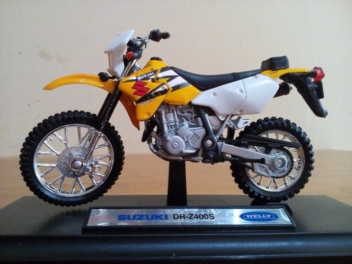 harga Diecast miniatur motor cross trail 2tak suzuki dr-z 400s harga murah Tokopedia.com