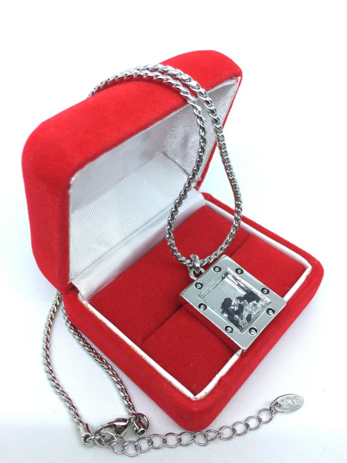 harga Kalung lapis emas putih pendant bingkai kotak isi berlian cz - bn038a Tokopedia.com
