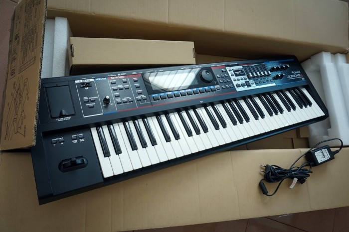 Foto Produk Keyboard Roland Juno Gi - Synthesizer bukan yamaha atau korg dari iNNOVATIF