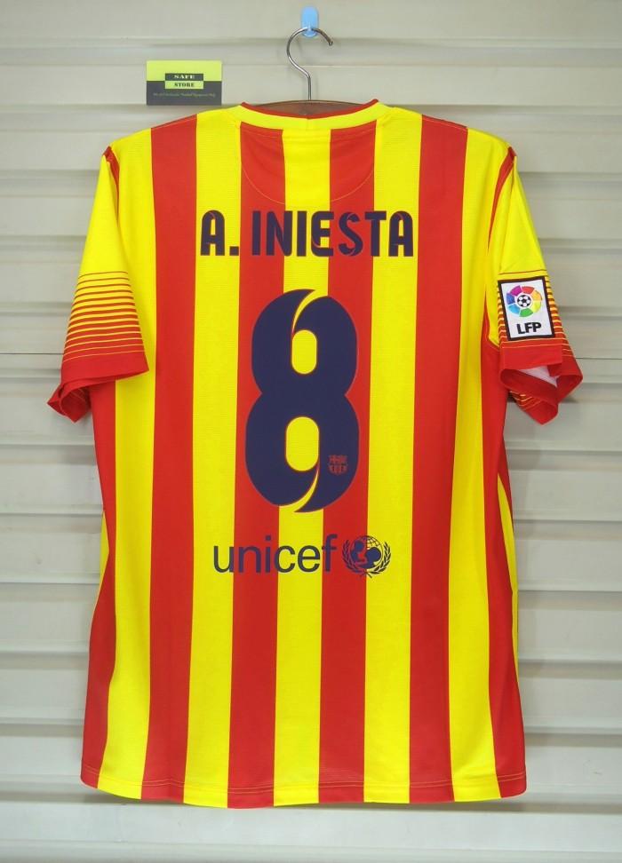 harga Barcelona 2013-14 away + 2014-15 3rd. iniesta. bnwt. original jersey Tokopedia.com