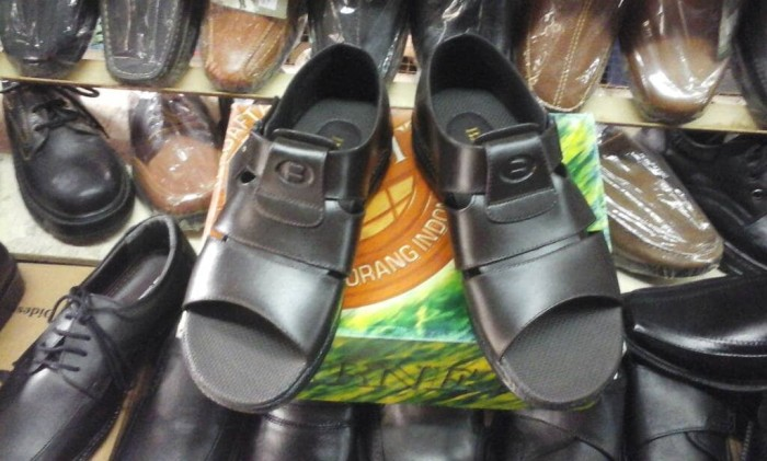 harga Sandal sepatu merk barnet original Tokopedia.com