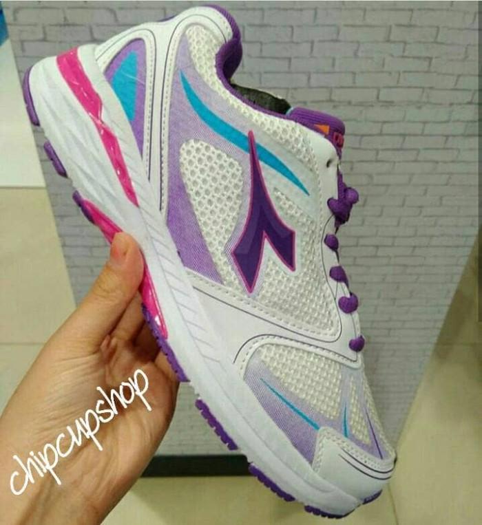sepatu lari running gym fitness wanita diadora women shoes original 4e0e851cbc