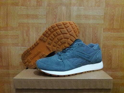 harga Sepatu casual reebok gl 6000 pt original   sneakers   grey   murah  Tokopedia. fb7c20db2b